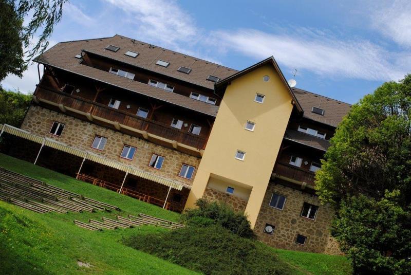 Jugenderlebnishotel Drobollach casa